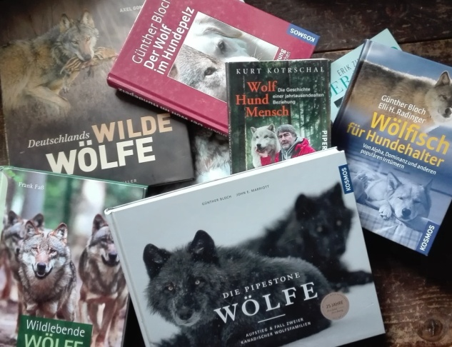 Bücher-Wölfe